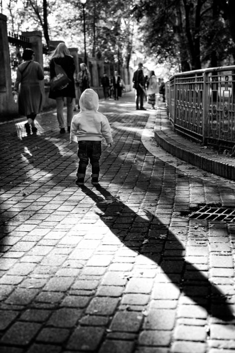 Ukraine, Kiev, Kid, Street, Shadows